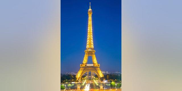Paris Jun 20 Eiffel Tower Light And Beam Performance Show At Dusk On