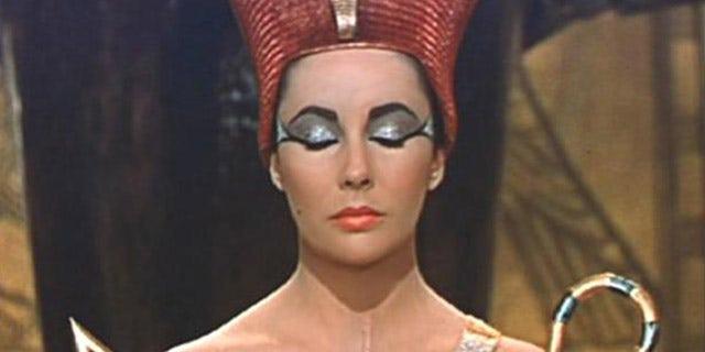 """Elizabeth Taylor in """"Cleopatra."""""""