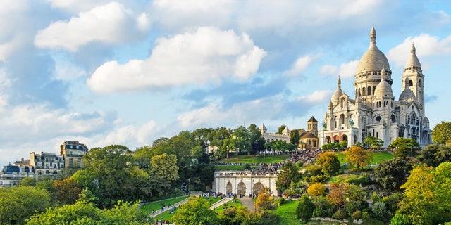 Montmartre's Garden and Sacré-Coeur