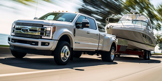Ford – America's truck leader – today pulls off the wraps of a new F-Series Super Duty Limited that sets new luxury standards for high-end heavy-duty truckers.