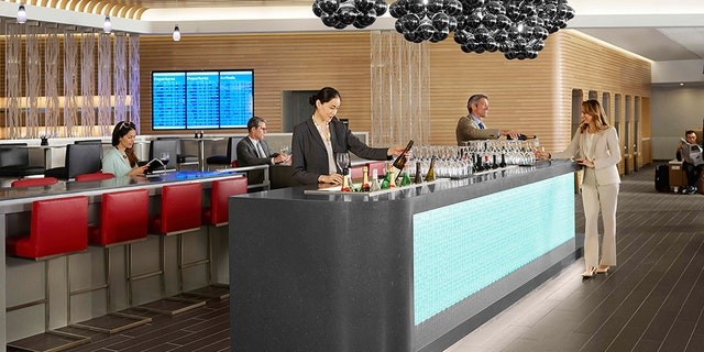 According to American Airlines' website, minors are not permitted into the lounge without a parent.