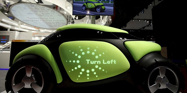 Messages can be displayed on the body of the car.