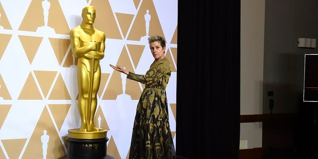 Frances McDormand was seen crying after losing her Oscar during the Governors Award Sunday, March 4, 2018.