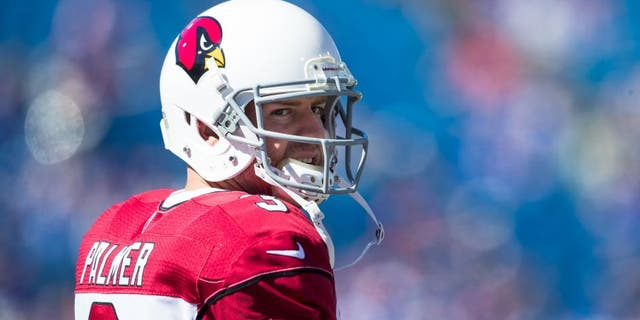 ORCHARD PARK, NY - SEPTEMBER 25: Carson Palmer #3 of the Arizona Cardinals warms up before the game against the Buffalo Bills on September 25, 2016 at New Era Field in Orchard Park, New York. Buffalo defeats Arizona 33-18. (Photo by Brett Carlsen/Getty Images)