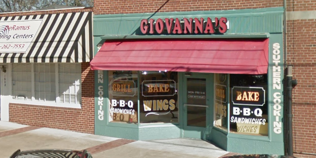 Giovanna's Pizzaria is located in Phenix City, Alabama.