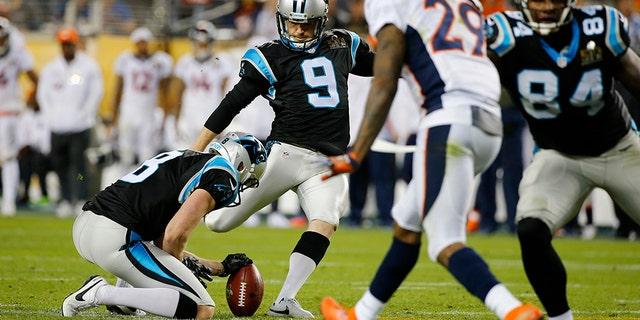 Carolina Panthers' Graham Gano (9) kicks a field goal in the fourth quarter against the Denver Broncos during the NFL's Super Bowl 50 football game in Santa Clara, California February 7, 2016.   REUTERS/Mike Blake - TB3EC28089ANN