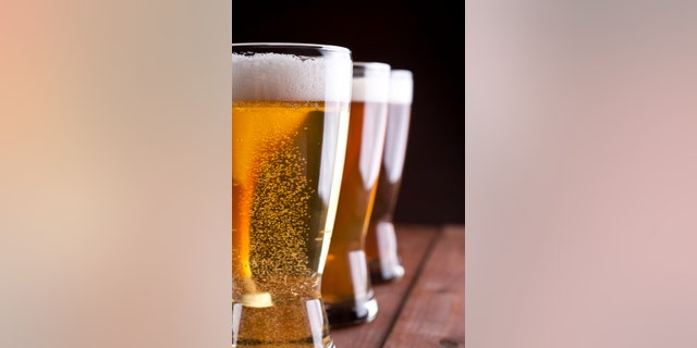 Variety of Fresh Draught Beer on a Wood Table.[url=http://www.istockphoto.com/search/lightbox/13799829#17a0d007][img]http://www.richardrudisill.com/istockbanners/beer_mugs_and_taps.jpg[/img][/url][url=http://www.istockphoto.com/search/lightbox/13800629#1735ba22][img]http://www.richardrudisill.com/istockbanners/mixed_drinks.jpg[/img][/url][url=http://www.istockphoto.com/search/lightbox/13800638#1b77df50][img]http://www.richardrudisill.com/istockbanners/wine.jpg[/img][/url][url=http://www.istockphoto.com/search/lightbox/13799815#d34e4b6][img]http://www.richardrudisill.com/istockbanners/food_and_drink.jpg[/img][/url]