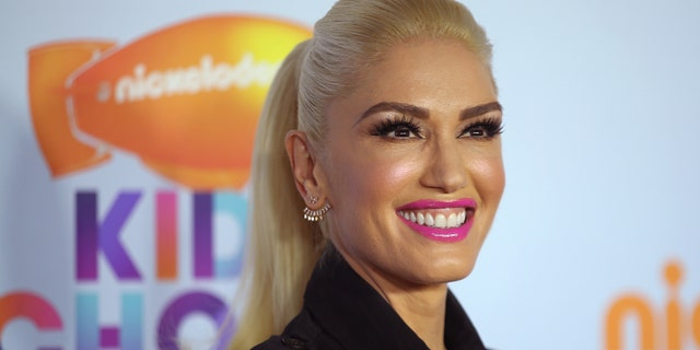 2017 Kids' Choice Awards - Arrivals - Los Angeles, California, U.S., 11/3/2017 - Singer Gwen Stefani. REUTERS/Mike Blake - RTX30MN0