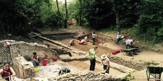 Archaeologists working at a villa built by the Roman Emperor Hadrian (reign A.D. 117-138) have discovered a building filled with art.