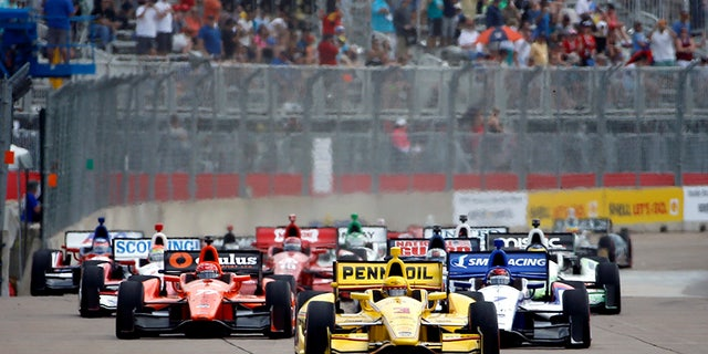 Castroneves leads the pack at the 2014 IndyCar Grand Prix of Houston