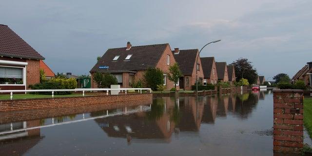 hurricane-flood