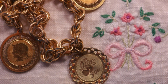 Help mom keep her family near with the subtle sentiment of family tree jewlery.