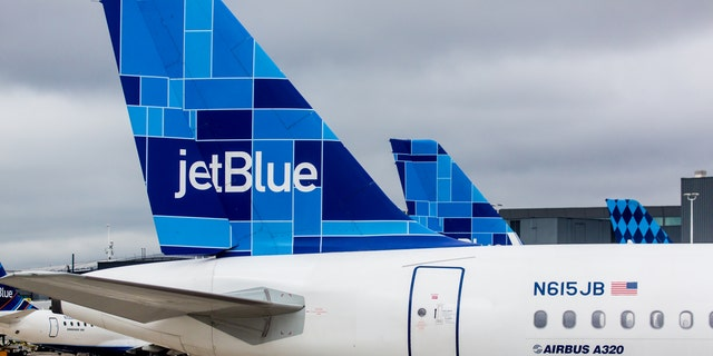 JetBlue is trying to boost sales by dropping online travel sites.