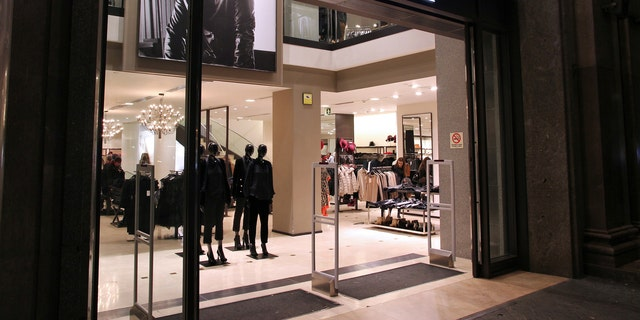 Zara customers in Istanbul have found notes from out-of-work factory workers inside their clothing items.