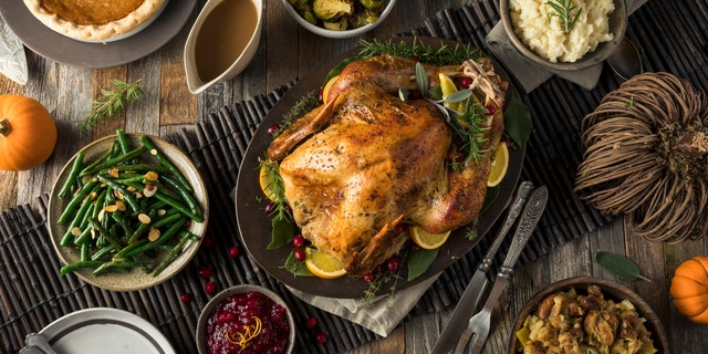 When cooking Thanksgiving dinner, there are steps you can take to reduce your risk of getting food poisoning.
