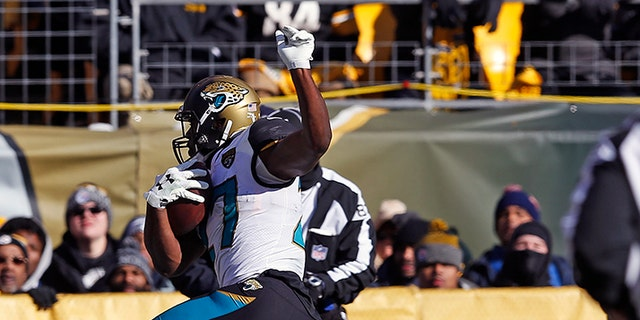 Fournette's second touchdown run of the day put Jacksonville on top, 14-0, in the first quarter.