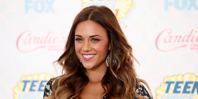 Jana Kramer arrives at the Teen Choice Awards 2014 in Los Angeles, California August 10, 2014.   REUTERS/Danny Moloshok (UNITED STATES  - Tags: ENTERTAINMENT)   (TEENCHOICEAWARDS-ARRIVALS) - RTR41WK6