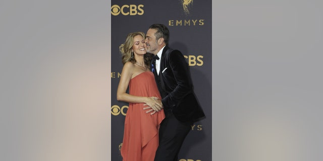 69th Primetime Emmy Awards – Arrivals – Los Angeles, California, U.S., 17/09/2017 -  Jeffrey Dean Morgan and Hilarie Burton. REUTERS/Mike Blake - HP1ED9I01LPXQ