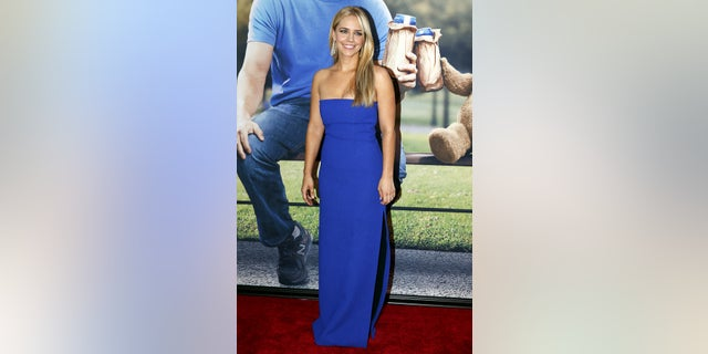 "Cast member Jessica Barth poses on the red carpet of the movie premiere of ""Ted 2"" in New York June 24, 2015.     REUTERS/Shannon Stapleton - GF10000138441"