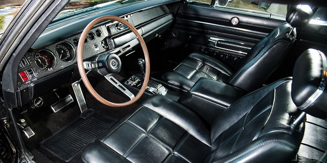 The interior is so clean it looks screen ready.