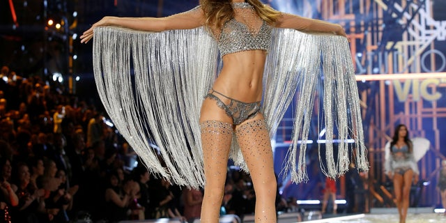 The 2017 Victoria's Secret Fashion Show is expected to feature Josephine Skriver.