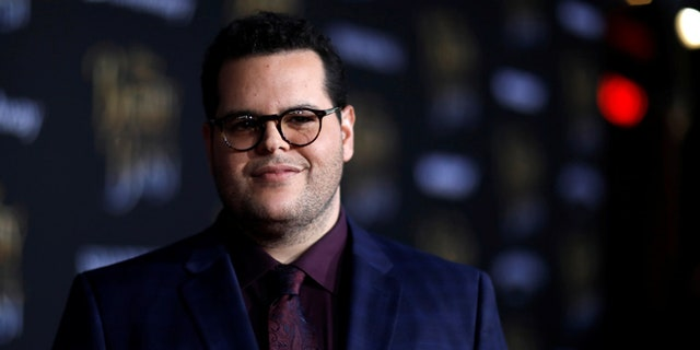 """Cast member Josh Gad poses at the premiere of """"Beauty and the Beast"""" in Los Angeles, California, U.S. March 2, 2017.   REUTERS/Mario Anzuoni - RTS118WW"""