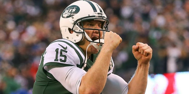 NFL quarterback Josh McCown signed a contract with the New York Jets while waiting for his food at Chick-fil-A.