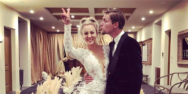 Kaley Cuoco surprised fans by announcing her marriage to Karl Cook.