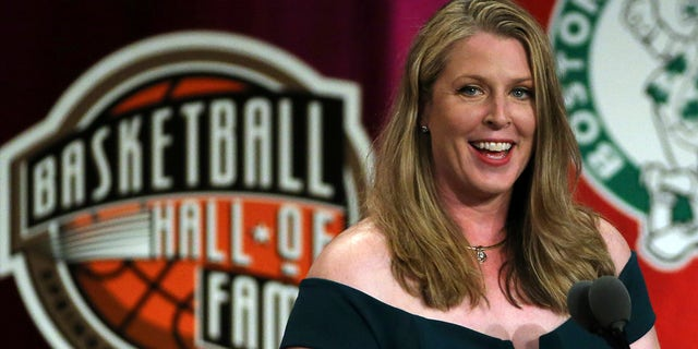 Katie Smith, newly inducted into basketball's Hall of Fame, is the leading scorer in women's professional basketball history.