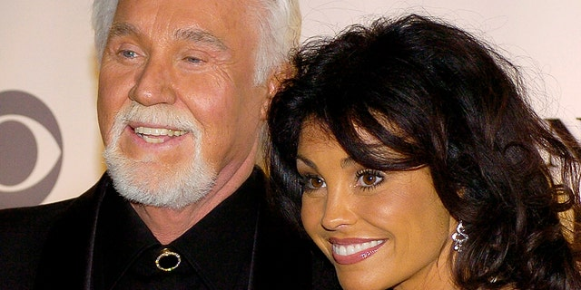Kenny Rogers and his wife Wanda arriving at the Kennedy Center for the 29th Annual Gala in Washington on December 3, 2006.
