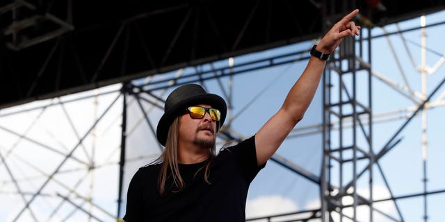 Apr 7, 2014; Arlington, TX, USA; Recording artist Kid Rock performs before the championship game of the Final Four in the 2014 NCAA Mens Division I Championship tournament between the Connecticut Huskies and Kentucky Wildcats at AT&T Stadium. Mandatory Credit: Kevin Jairaj-USA TODAY Sports - RTR3KC5Z