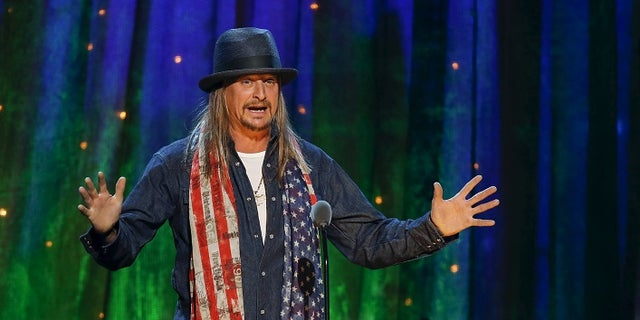 Kid Rock inducts rock band Cheap Trick at the 31st annual Rock and Roll Hall of Fame Induction Ceremony at the Barclays Center in Brooklyn, New York April 8, 2016. REUTERS/Eduardo Munoz - RTX29688