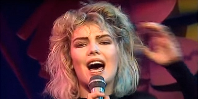 Kim Wilde said an encounter with a UFO in 2009 inspired her to make a music comeback.