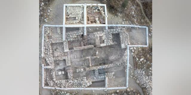 A composite aerial photograph of the four-room house (Sky View and Griffin Aerial Imaging, edited by Yair Sapir)