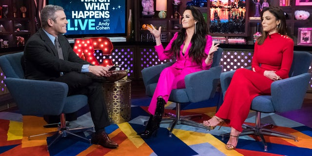 WATCH WHAT HAPPENS LIVE WITH ANDY COHEN -- Episode 15021 -- Pictured: (l-r) Andy Cohen, Kyle Richards , Bethenny Frankel -- (Photo by: Charles Sykes/Bravo)