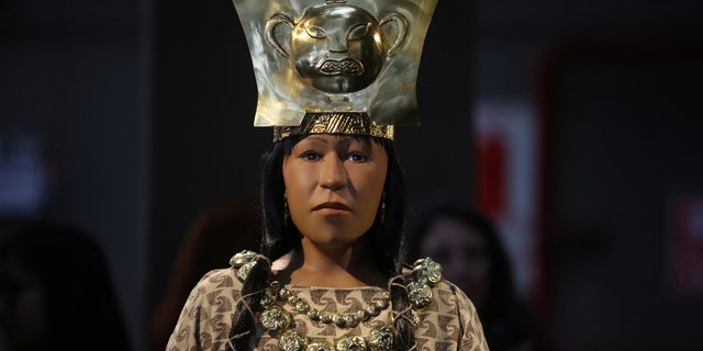 A replica of The Lady of Cao face, a female mummy found at the archaeological site Huaca El Brujo, a grand pyramid of the ancient Moche pre-hispanic culture, is seen at the Ministry of Culture in Lima, Peru July 4, 2017. REUTERS/Guadalupe Pardo - RTX3A1CC