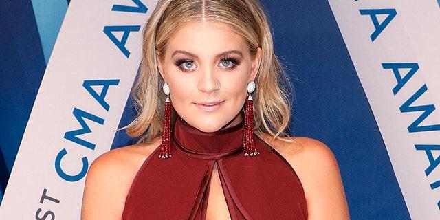 NASHVILLE, TN - NOVEMBER 08:  Lauren Alaina attends the 51st annual CMA Awards at the Bridgestone Arena on November 8, 2017 in Nashville, Tennessee.  (Photo by Taylor Hill/FilmMagic)