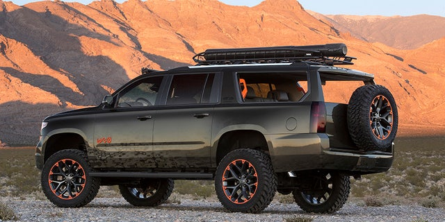 """Country music superstar Luke Bryan has teamed up with Chevrolet to create a bold, stylized Suburban concept introduced at the 2017 SEMA Show. The concept speaks to Luke's """"Huntin, Fishin' and Lovin' Every Day"""" outlook."""