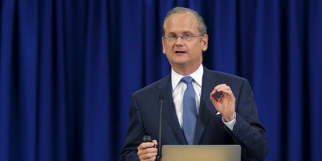 Lawrence Lessig, shown in New Hampshire during his stint as a Democratic presidential candidate in September 2015, wants to overhaul the Electoral College.