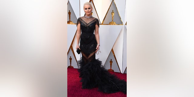 Lindsey Vonn said she couldn't find a date at the Academy Awards.