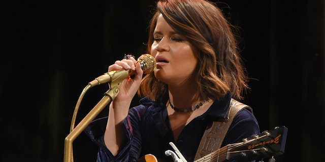 """Maren Morris explained how Vince Gill came to sing on her song """"Dear Hate."""""""