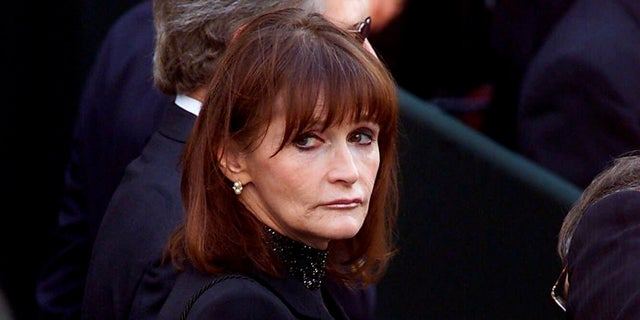 Margot Kidder battled bipolar disorder and was homeless for a short time in 1996.