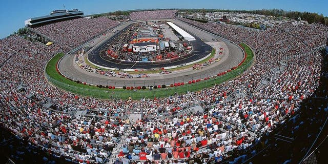UNITED STATES - APRIL 13: Auto Racing: NASCAR Virginia 500, Aerial view of Martinsville Speedway during race, Martinsville, VA 4/13/2003 (Photo by George Tiedemann/Sports Illustrated/Getty Images) (SetNumber: X68212 TK1 R16 F9)