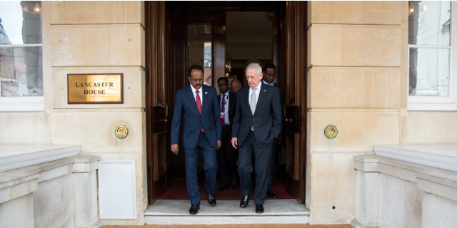 Defense Secretary Jim Mattis with the Somali president at a May 11 conference in London.