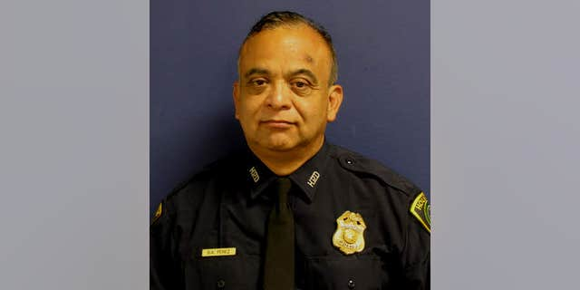 Sgt. Steve Perez died on Sunday after he was trapped in Harvey floodwaters. (Houston Police Department)