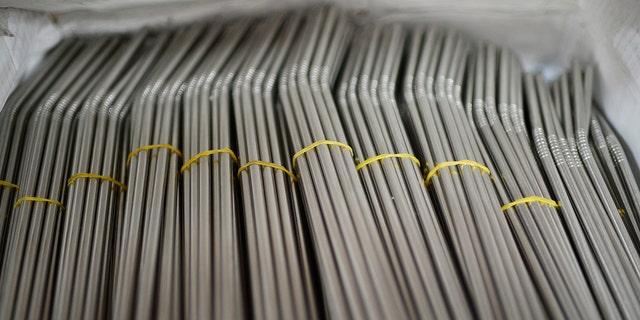The new bill would require food vendors to forego straws, or offer reusable alternatives made from metal, paper or bamboo.