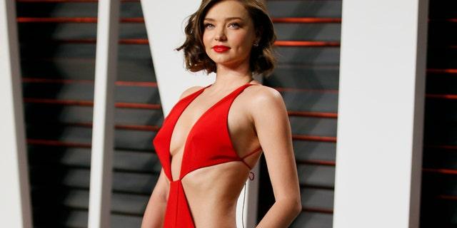 Australian model Miranda Kerr arrives at the Vanity Fair Oscar Party in Beverly Hills, California February 28, 2016.
