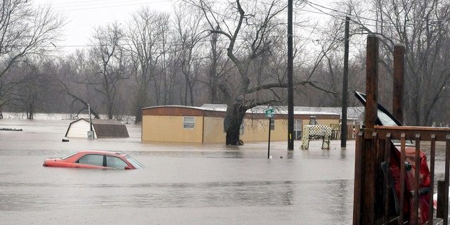 Spring river floods homes in Kendricktown, Mo.