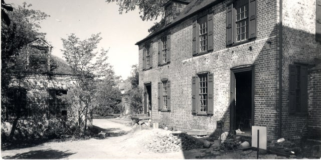 The Heyward-Washington House during excavations in the 1970s.