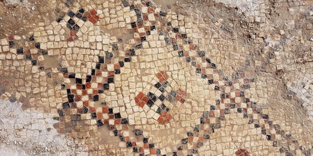A close-up shot of the mosaic. (Photo: Anat Rasiuk, Israel Antiquities Authority)